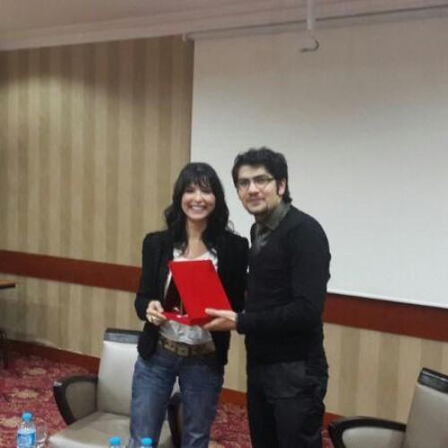 İstanbul Ekonomi Okulu'nun ikinci gününde Aslı Şafak; ekonomi haberciliğini ve güncel gelişmeleri değerlendirdi.